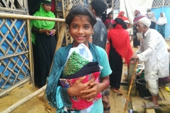 04 Refugee children are directly benefited from the Cloth Distribution