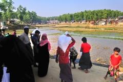 07 During distributing times, Cox's Bazar, Bangladesh